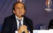 Platini đề xuất bỏ thẻ vàng