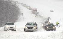 Bão tuyết bao trùm nước Mỹ, hàng ngàn chuyến bay bị hủy