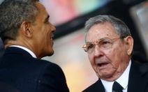 Tổng thống Mỹ và chủ tịch Cuba bắt tay nhau