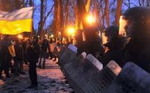 Cảnh sát kiên quyết dẹp biểu tình tại Ukraine