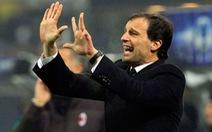 HLV Allegri khẳng định sẽ rời AC Milan