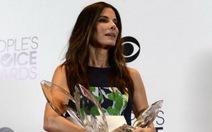 Sandra Bullock thắng lớn tại giải People's Choice