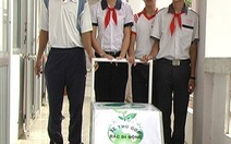 Học sinh lớp 9 chế tạo xe thu gom rác di động