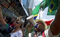 Thanh niên nghèo Brazil nhảy flashmob để phản kháng