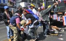 """""""Đóng cửa Bangkok"""" bằng vũ khí và chất nổ"""