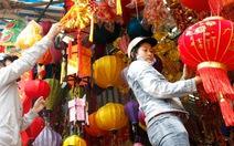 Hàng trang trí tết thiếu dấu ấn Việt