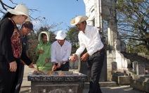 Cuối năm viếng nghĩa trang Trường Sơn