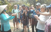 Hàng ngàn du khách nước ngoài xông đất tết Việt