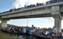 Hội đua thuyền truyền thống đầm Ô Loan