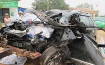 Ô tô đối đầu, ba người trong gia đình tử vong