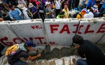 Cảnh sát Thái Lan bắt giữ thủ lĩnh và 100 người biểu tình