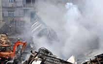 Công ty Len Hà Đông cháy dữ dội