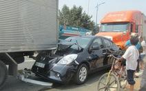 Tai nạn liên hoàn, xe cộ vào cảng Cát Lái bị cản trở
