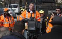 Tuyên bố dẹp lái xe ẩu, thị trưởng phạm luật giao thông