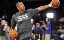 Ngôi sao đồng tính đầu tiên thi đấu ở NBA