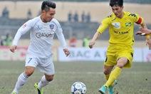 Công Vinh mang băng đội trưởng đội tuyển Việt Nam