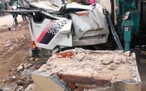 Vụ sập cổng TTVH huyện, 3 người tử vong: Trụ cột cổng không có cốt thép?