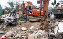Sập cổng trung tâm văn hóa huyện, 3 người tử vong