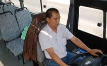Xe buýt chạy cầm chừng vì vắng khách