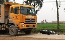 Trung úy công an huyện bị xe tải cán chết