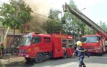 Quán bar Discovery, Đồng Nai cháy lớn sau tiếng nổ