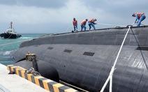 Cận cảnh tàu ngầm TP.HCM tại Quân cảng Cam Ranh