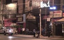 Sau xô xát trong quán bar, 1 người bị truy sát, chém 8 nhát