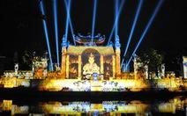 """""""Tiệc ánh sáng"""" ở đền Quốc Tổ: cách tân hay phản cảm?"""