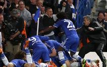 """Mourinho: """"Chelsea xứng đáng đi tiếp"""""""