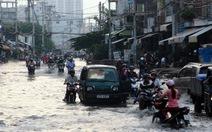 Đường Sài Gòn lại ngập, kẹt xe sau cơn mưa chiều