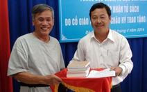 Tiếp nhận tủ sách của GS Hoàng Châu Ký