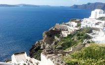 Ngắm hoàng hôn trên đảo thiên đường Santorini