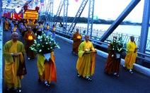 Rước Phật cầu quốc thái dân an, thế giới hòa bình