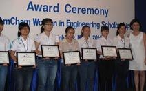 65 suất học bổng AmCham cho nữ sinh viên khối kỹ thuật