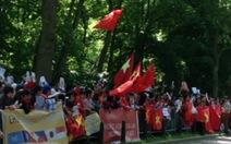 Sinh viên, kiều bào ở Hà Lan tuần hành phản đối Trung Quốc