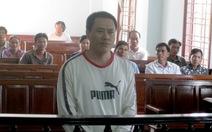 """Nguyên thư ký tòa """"chạy"""" tại ngoại lãnh án 4 năm tù"""