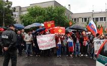 Slovakia vang bước chân kiều bào phản đối Trung Quốc