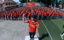 Hàng ngàn bạn trẻ rực đỏ clip Những trái tim Việt Nam