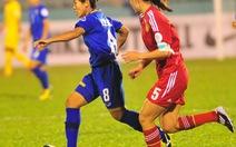Thái Lan chơi bóng bổng và đá áp sát