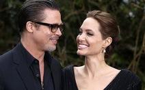 Brad Pitt bị tấn công trên thảm đỏ