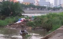 Thi thể phụ nữ nghi bị cắt cổ ven đường Võ Văn Kiệt