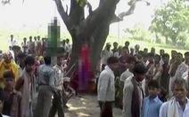 Ấn Độ: Hai thiếu nữ bị hiếp dâm tập thể, treo lên cây