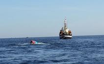 Phóng viên quốc tế tìm hiểu tàu cá bị đâm chìm