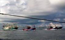 Công bố clip tàu Trung Quốc khổng lồ đâm chìm tàu cá Việt Nam