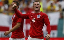 Rooney to tiếng với Paul Scholes