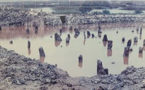 Sông chìm giáo gãy, gò đầy xương khô