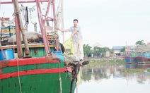Tàu mang số hiệu Trung Quốc đâm thủng tàu cá Việt Nam