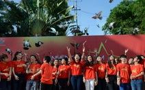 Quật khởi MV Những trái tim Việt Nam với 1400 ca sĩ, SV