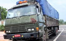 """Hai xe tải biển số đỏ giả """"dính lưới"""" tại Bình Thuận"""