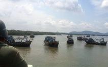 Vũng Tàu: nước sông lớn, cầu Cỏ May kẹt ghe